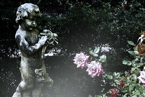 child-statue-mable-florida-garden
